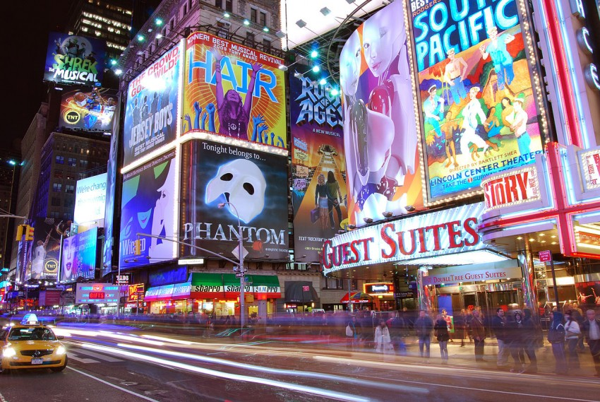 source: http://upload.wikimedia.org/wikipedia/commons/thumb/1/18/Times_Square_1-2.JPG/1280px-Times_Square_1-2.JPG